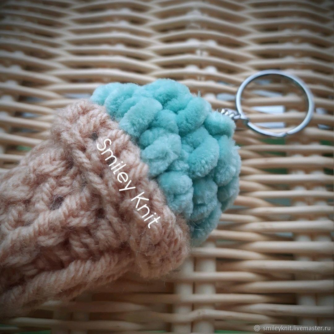 Брелок вязаное мороженное с 3мя шариками