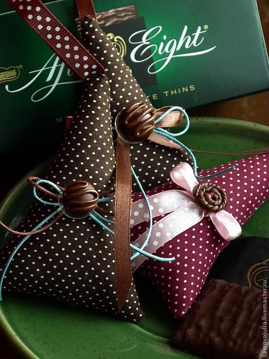 Новый год 2017 ручной работы. Ярмарка Мастеров - ручная работа. Купить Шоколадные ёлочки. Handmade. Новогоднее украшение, шоколад
