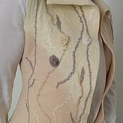 """Одежда ручной работы. Ярмарка Мастеров - ручная работа Жилет женский валяный """"Розочки.Молочный"""". Handmade."""