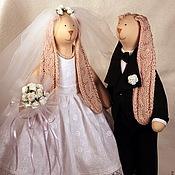 Куклы и игрушки ручной работы. Ярмарка Мастеров - ручная работа Тильда Свадебные зайки с вязанными ушками. Handmade.