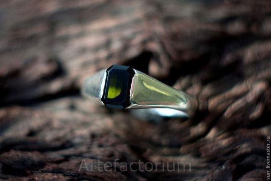 Кольца ручной работы. Ярмарка Мастеров - ручная работа. Купить Серебряное кольцо с турмалином. Handmade. Тёмно-зелёный, турмалин