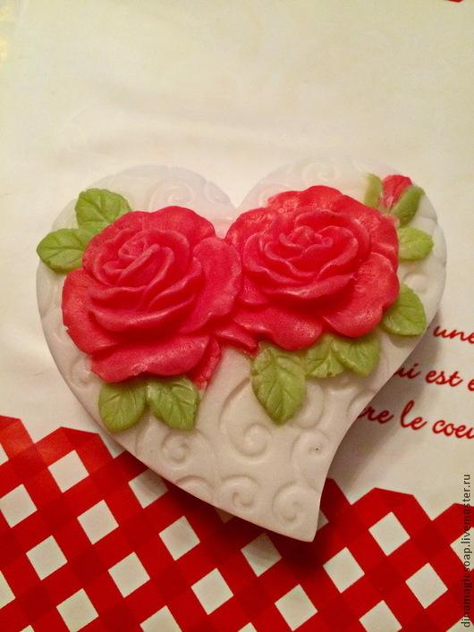 """Мыло ручной работы. Ярмарка Мастеров - ручная работа. Купить мыло """"Ажурное сердце с розами"""". Handmade. Разноцветный, мыло в новокузнецке"""
