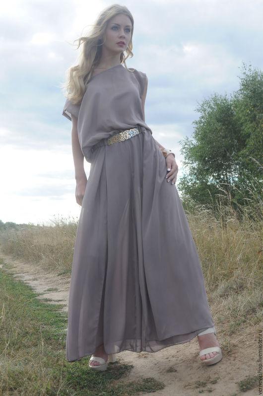 """Платья ручной работы. Ярмарка Мастеров - ручная работа. Купить Платье из шифона длинное со спущенным плечом  """"Латте"""". Handmade."""