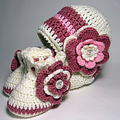Работы для детей, handmade. Livemaster - original item Knitted cap and booties for girls. Handmade.