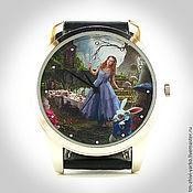 """Украшения ручной работы. Ярмарка Мастеров - ручная работа Часы наручные  женские """"Алиса в стране чудес"""". Handmade."""