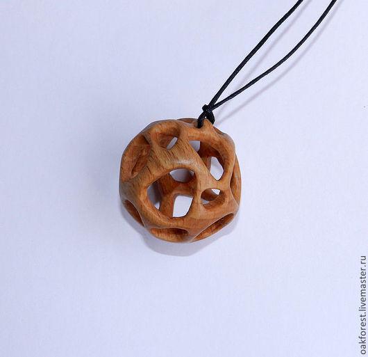 """Кулоны, подвески ручной работы. Ярмарка Мастеров - ручная работа. Купить Кулон из дерева """"Сфера"""" (бук). Handmade. Кулон из дерева"""