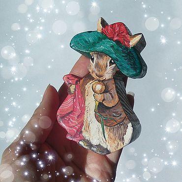 Миниатюрные игрушки: Кролик Бенджамин.Деревянная игрушка.