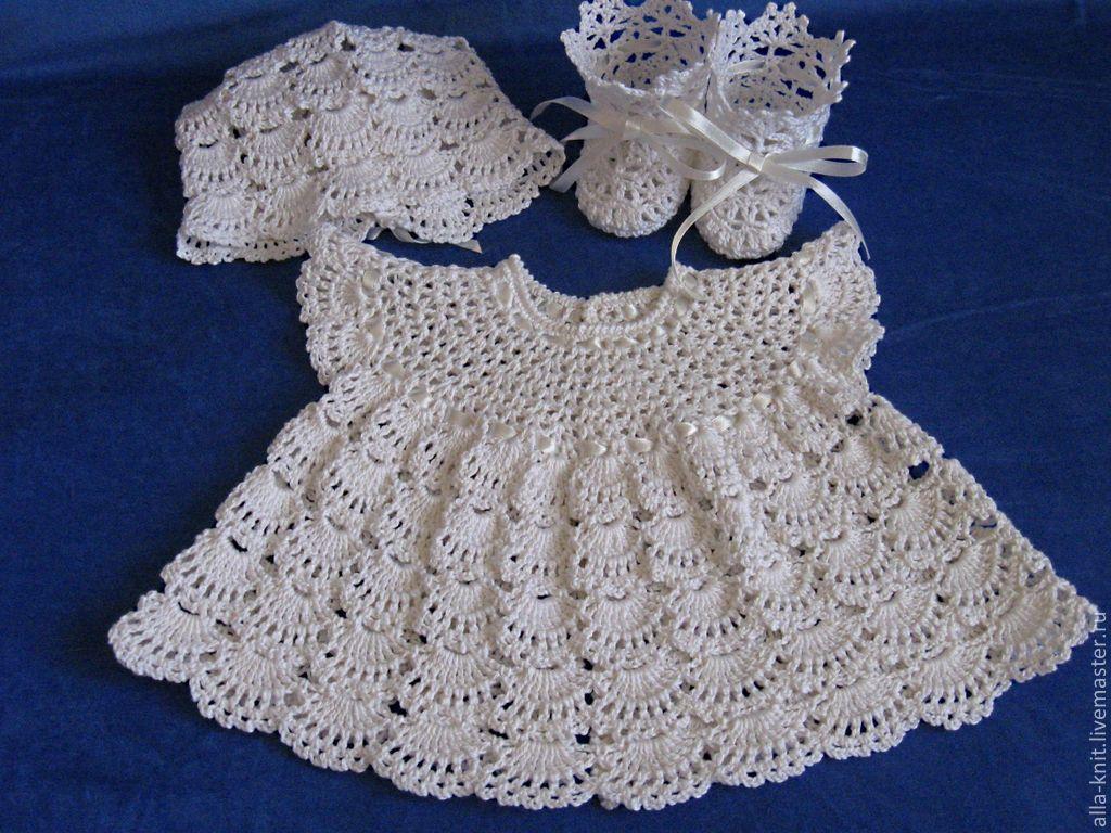 Вязанное платье для новорожденной