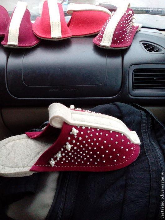 Обувь ручной работы. Ярмарка Мастеров - ручная работа. Купить войлочные тапочки. Handmade. Тапочки из войлока, тапочки, комфортная обувь