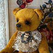 Куклы и игрушки ручной работы. Ярмарка Мастеров - ручная работа Мишка-Тедди Желтый с брошкой. Handmade.