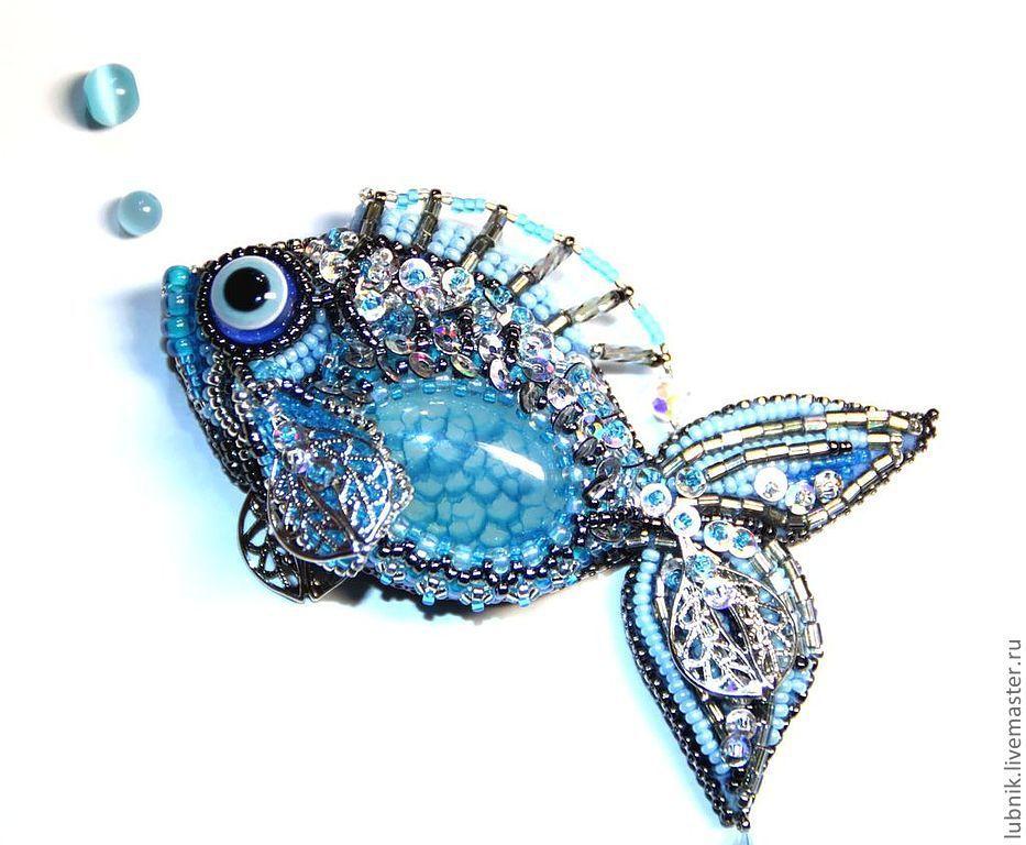 Брошь рыба из бисера