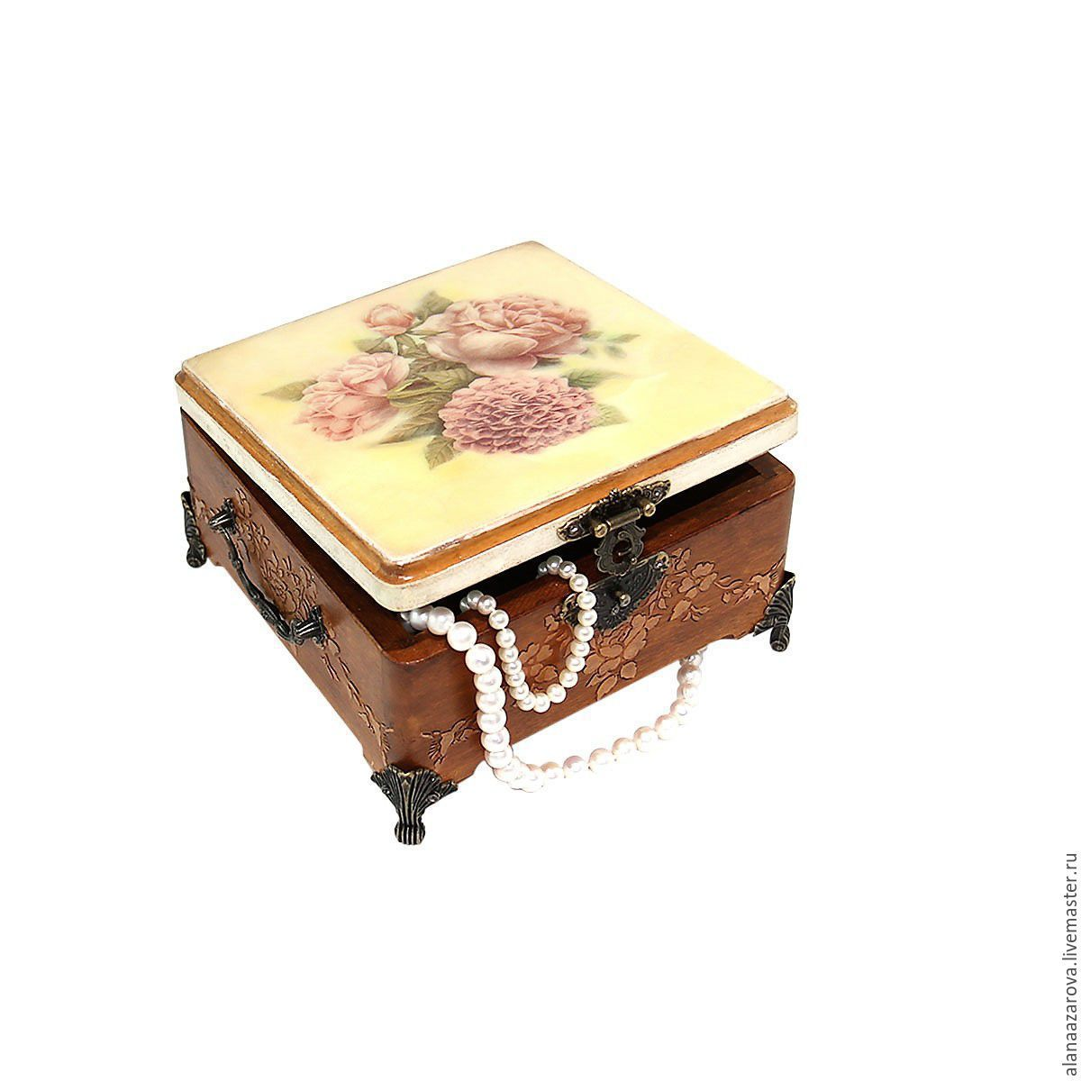 Gift of a woman favorite girl jewelry box `Rose garden`. Fair Masters Alan Azarov handmade to Purchase a gift for the woman in Moscow.Handmade.