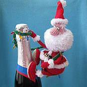 Материалы для творчества ручной работы. Ярмарка Мастеров - ручная работа Мастер-класс по вязанию игрушки Санта альпинист. Handmade.