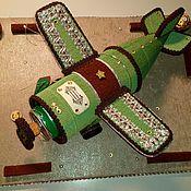 Подарки на 23 февраля ручной работы. Ярмарка Мастеров - ручная работа Подарки на 23 февраля: Вкусный самолет-накопитель. Handmade.