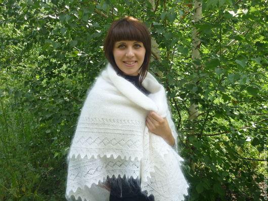 Шали, палантины ручной работы. Ярмарка Мастеров - ручная работа. Купить 47- пуховый платок  оренбургский белый  вязаная шаль,аксессуары. Handmade.