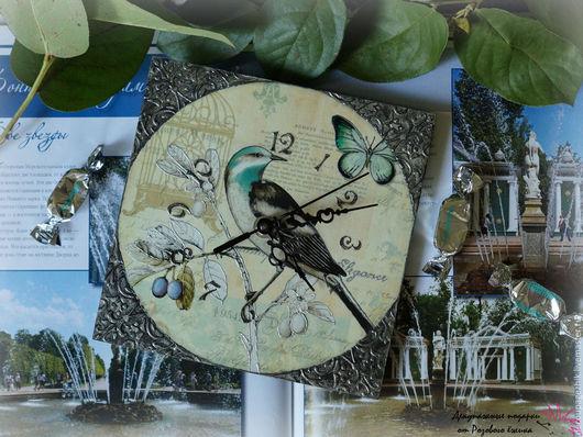 купить настенные часы ручной работы в спб. купить часы в подарок. часы небольшого размера. часы в подарок купить. часы декупаж купить. часы с птицами. часы на стену купить. часы недорогие купить.