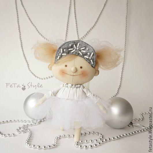 Коллекционные куклы ручной работы. Ярмарка Мастеров - ручная работа. Купить Я Снежинка Кукла-подвеска Игрушка на Елку. Handmade.