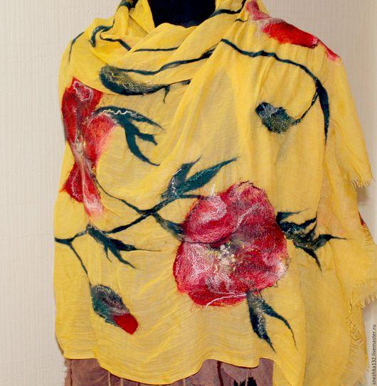 """Шали, палантины ручной работы. Ярмарка Мастеров - ручная работа. Купить Палантин валяный желтый с маками """" Солнечный мак"""". Handmade."""