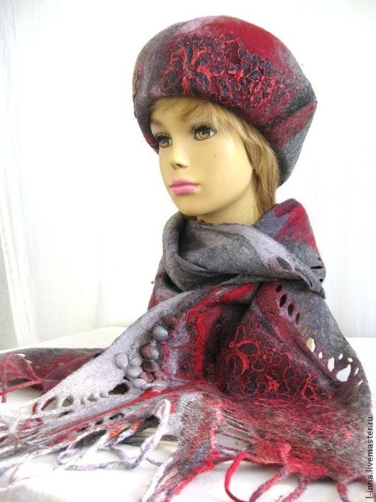 Комплекты аксессуаров ручной работы. Ярмарка Мастеров - ручная работа. Купить Зимние ягоды берет и шарф валяные. Handmade. Серый