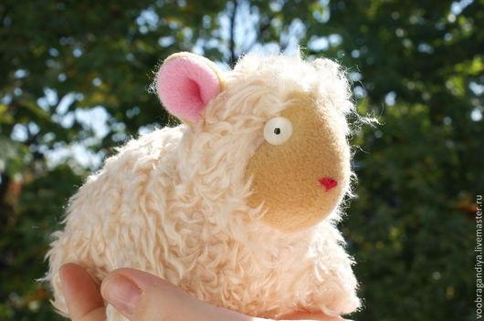 Игрушки животные, ручной работы. Ярмарка Мастеров - ручная работа. Купить Крошка барашек или овечка. Handmade. Бежевый