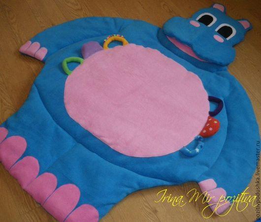 Развивающий коврик для малышей Бегемотик.