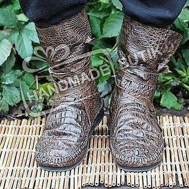 Обувь ручной работы. Ярмарка Мастеров - ручная работа Сапоги мокасины из темно-коричневой кожи Кроко Мужские(Унисекс). Handmade.