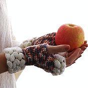 Аксессуары ручной работы. Ярмарка Мастеров - ручная работа Вязанные митенки с косами. Handmade.