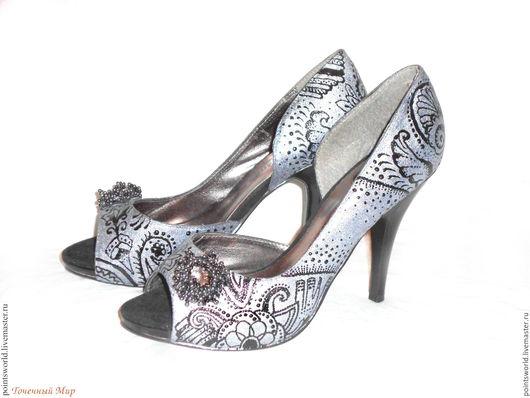 Роспись обуви, роспись туфлей, туфли с росписью, расписная обувь, расписной, обувь с сросписью, обувь с украшениями, украшение обуви, обувь с узором, узор на обуви, подарок, подарок на день рожденья,