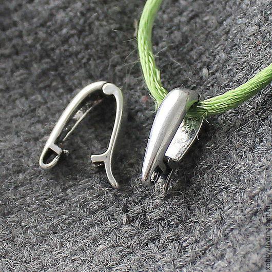 Бейл держатель для кулона или подвески античное серебро Бейл держатель для кулона или подвески  - это фурнитура для бижутерии с помощью которой к основе можно прикрепить или подвесить кулон или подве