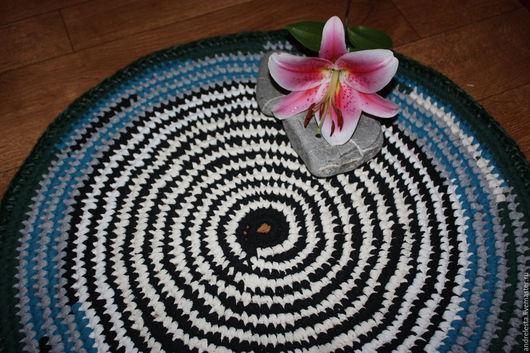 """Текстиль, ковры ручной работы. Ярмарка Мастеров - ручная работа. Купить Коврик вязаный крючком """"Хороша была тельняшка"""". Handmade."""