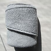 Шали ручной работы. Ярмарка Мастеров - ручная работа Светло-серый треугольный платок-шарф. Ручная работа. Handmade.