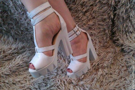 Обувь ручной работы. Ярмарка Мастеров - ручная работа. Купить Босоножки на каблуке. Handmade. Белый, обувь ручной работы