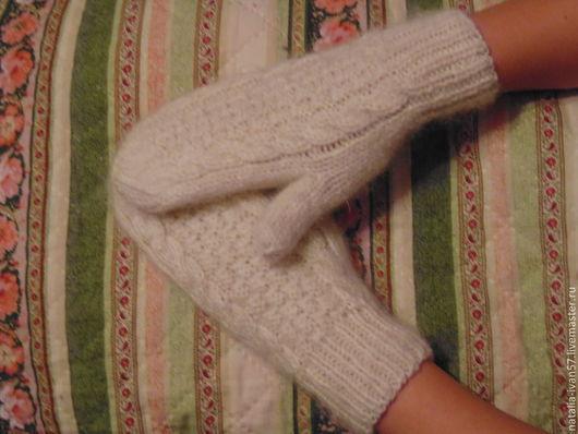 Варежки, митенки, перчатки ручной работы. Ярмарка Мастеров - ручная работа. Купить Носки и варежки мохеровые. Handmade. Белый, носки