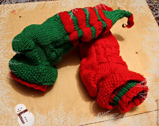 Носки, Чулки ручной работы. Ярмарка Мастеров - ручная работа. Купить Новогодние носки эльфа. Handmade. Носочки вязаные, подарок