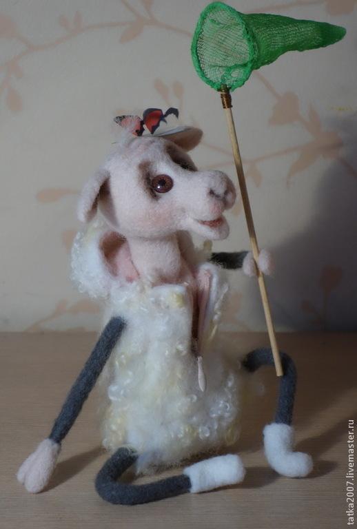 """Игрушки животные, ручной работы. Ярмарка Мастеров - ручная работа. Купить Валяная овечка """" А я люблю лето"""". Handmade."""