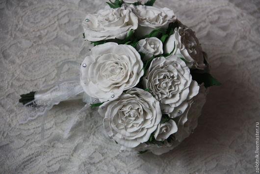 """Цветы ручной работы. Ярмарка Мастеров - ручная работа. Купить Букет белых роз из фоамирана """"Белоснежная нежность"""". Handmade. Белый"""