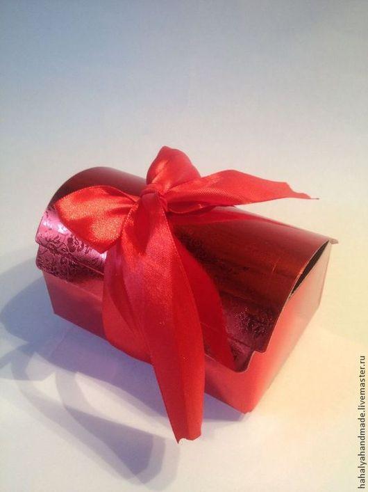 Коробка-сундучок с атласной лентой. Идеальное дополнение к Вашему подарку
