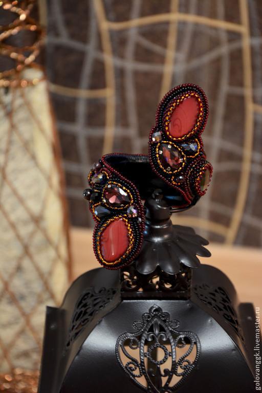 """Браслеты ручной работы. Ярмарка Мастеров - ручная работа. Купить Браслет-змейка """"Queen"""". Handmade. Бордовый, новогоднее украшение, гранат"""
