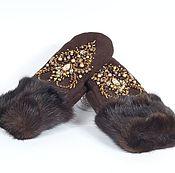 """Аксессуары ручной работы. Ярмарка Мастеров - ручная работа Варежки с вышивкой """"Снегурочка"""" шоколад. Handmade."""