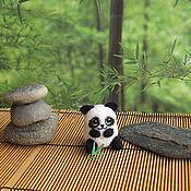 """Куклы и игрушки ручной работы. Ярмарка Мастеров - ручная работа Сувенир """"Маленькая панда"""". Handmade."""