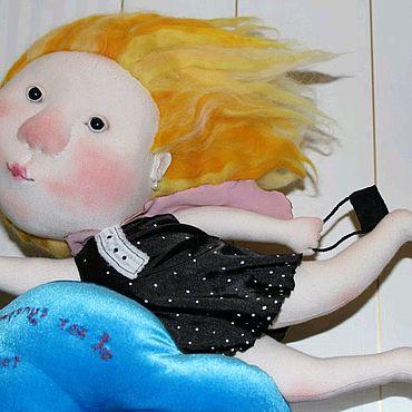 Куклы и игрушки ручной работы. Ярмарка Мастеров - ручная работа Я как супермен, только девочка! Интерьерная коллекционная кукла. Handmade.