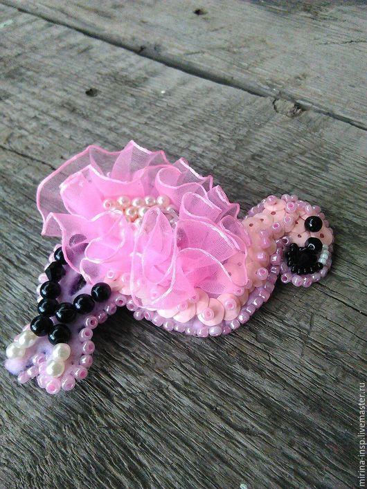 """Броши ручной работы. Ярмарка Мастеров - ручная работа. Купить Брошь """"Розовый фламинго"""" из пайеток и бисера. Handmade. Розовый"""