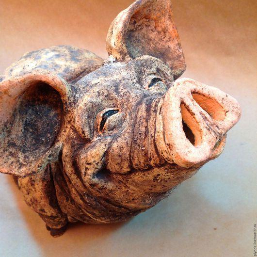 Садово-парковая скульптура Довольная свинья. Автор Татьяна Плында. (Garden sculpture of a pig Satisfied by Plynda Tatyana)