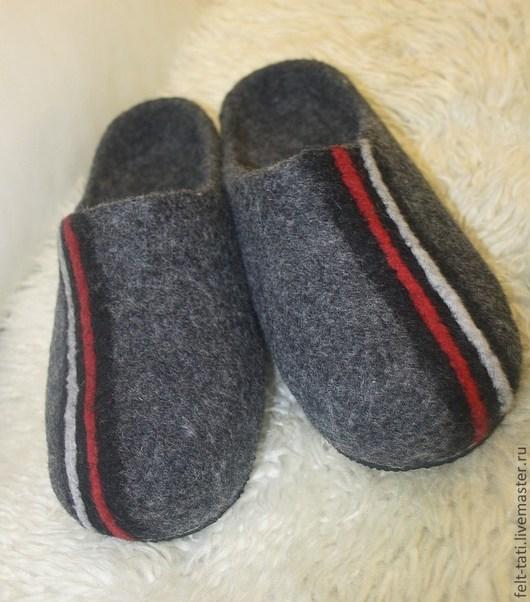 Обувь ручной работы. Ярмарка Мастеров - ручная работа. Купить Тапочки мужские для любимого. Handmade. Серый, тапочки домашние, микропора