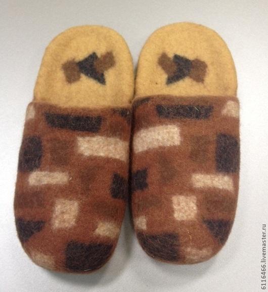"""Обувь ручной работы. Ярмарка Мастеров - ручная работа. Купить домашние валяные тапочки из натуральной шерсти """"Мужская абстракция"""". Handmade."""
