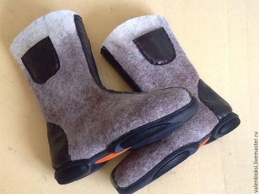 Обувь ручной работы. Ярмарка Мастеров - ручная работа. Купить Валенки мужские  1. Handmade. Коричневый, валенки на подошве