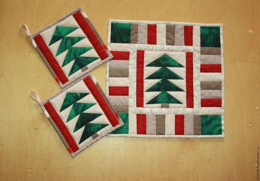 Лоскутное шитье .Кухня  ручной работы. Купить Лоскутный комплект Новогодний, прихватки + салфетка . Ярмарка Мастеров - ручная работа. Handmade