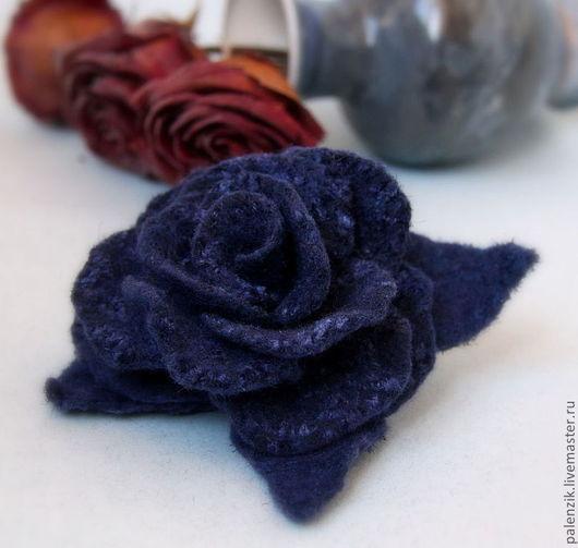 """Броши ручной работы. Ярмарка Мастеров - ручная работа. Купить Валяная брошь """"Синяя роза"""". Handmade. Брошь, брошка"""