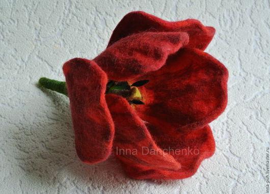 Красный тюльпан брошь из шерсти, Данченко Инна