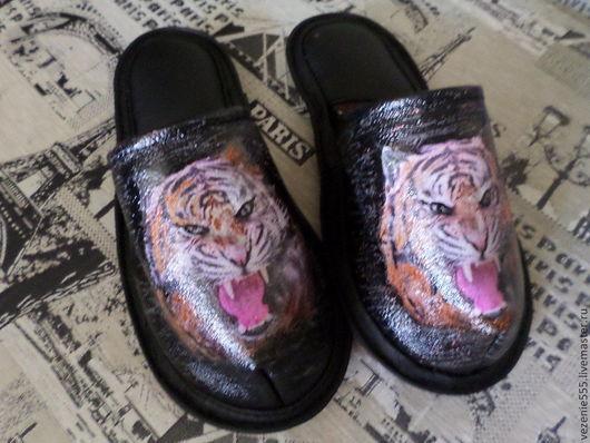 Обувь ручной работы. Ярмарка Мастеров - ручная работа. Купить Тапочки кожаные мужские домашние.. Handmade. Черный, тапочки